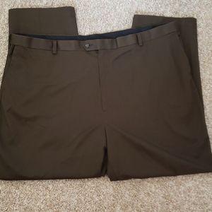 *New* Roundtree & Yorke Brown Comfort Waist Pants